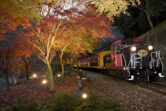 Поезд Сагано Арасияма Торокко